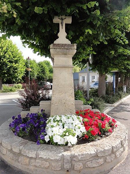 Courmelles (Aisne) croix de chemin