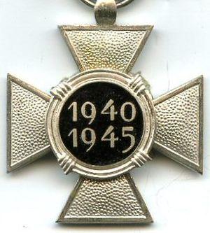 Political Prisoner's Cross 1940–1945 - Image: Croix du Prisonnier Politique 1940 1945 REVERS