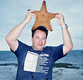 Cushion Sea Star (Oreaster reticulatus) (22224143615).jpg