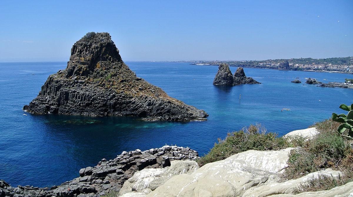 Cyclopean Isles - Wikipedia