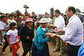 DAMNIFICADOS DE CARAPONGO RECIBIERON DESAYUNO PREPARADO POR EL EJÉRCITO (33683045295).jpg