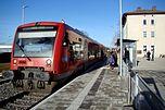 Triebwagen der DB-Baureihe 650 im Bahnhof Weißenhorn