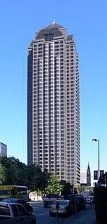 Trammell Crow Center skyscraper