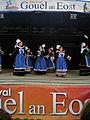 Danse cercle Bleuniou Lann an Aven - Gouel an Eost.JPG
