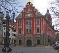 Das historische Rathaus von Gotha auf dem Hauptmarkt.jpg
