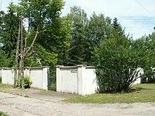 5c2dd2e946b1e Działka w podwarszawskiej Magdalence, gdzie do 1999 stał dom Violetty  Villas. Dom został wyburzony, a teren jest pusty.