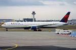 Delta Air Lines, N842MH, Boeing 767-432 ER (19731341534).jpg