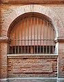 Descente de la Halle-aux-Poissons, Toulouse. No 15 une des arches vestigiale de la halle aux poissons.jpg