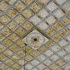 detail van het plaatijzeren plafond en een ventilatierooster in de voormalige synagoge te lochem - lochem - 20277476 - rce