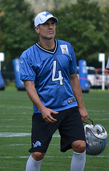 Detroit Lions placekicker Jason Hanson at the 2012 Lions training camp.jpg