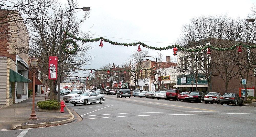 The population density of Dover in Ohio is 855.07 people per square kilometer (2215.2 / sq mi)