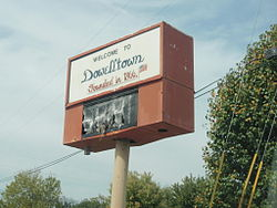 Dowelltown, Tennessee Sign October 2011.JPG