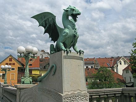 Dragon statue on the Dragon Bridge