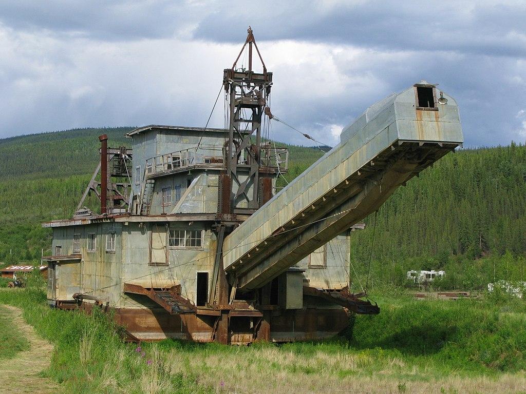 Historic Gold Dredges : File dredge in chicken alaska g wikimedia commons