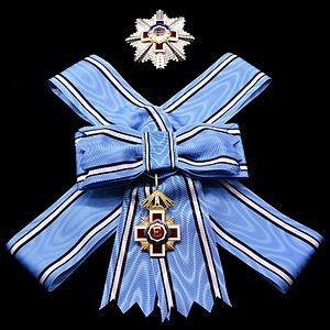 Order of the Estonian Red Cross - Sash and star of the 1st Class of the order for ladies