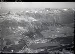 ETH-BIB-St. Moritz mit See, Celerina, Samedan, Piz Ot, Piz Kesch, Scesaplana v. S. aus 3800 m-Inlandflüge-LBS MH01-007858.tif