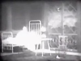 "<i>Dream of a Rarebit Fiend</i> (1906 film) Sr."",1906 film directed by""Wallace McCutcheon"""