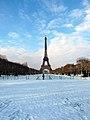 Eiffel Tower, Paris 19 December 2009 002.jpg