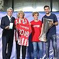 El Atlético ofrece su doble triunfo a Madrid 01.jpg