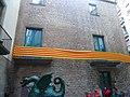El Drac de Ciutat Vella davant de l'edifici Beates 2 - P1460787.jpg