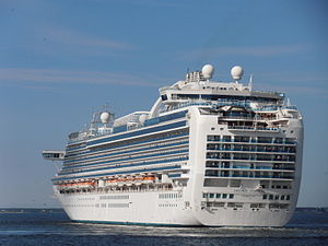 Emerald Princess departing Tallinn 2 August 2012.JPG
