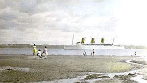 The Empress of Britain passing through the Saint Lawrence River near Quebec in 1937.