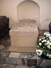 Eric the Pomeranian of Denmark, Norway & Sweden grave 2010 (1).jpg