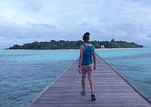 "<a href=""http://search.lycos.com/web/?_z=0&q=%22Derawan%20Islands%22"">Derawan Islands</a>"