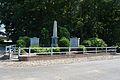 Föhrden-Barl, Kriegerdenkmal NIK 2370.JPG