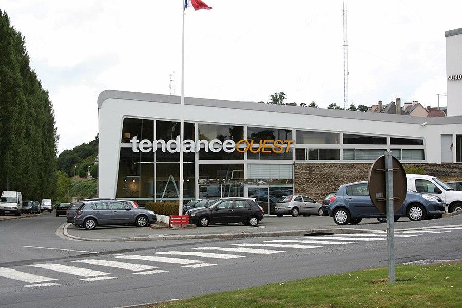 Facade de la radio française Tendance Ouest - Saint-lô - France