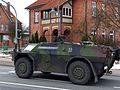 Fennek Spähfahrzeug durchfährt Amelinghausen.jpg