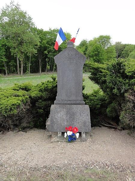 Festieux (Aisne) memorial d'un soldat 1944
