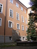 Firmian-Salm-Haus_-_Innenhof.jpg