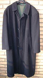 Un cappotto in taglio classico.