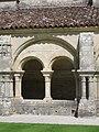 Fontenay Abbey - Cloister with double arcades.jpg