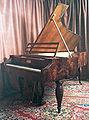 Fortepian Buchholtz.jpg