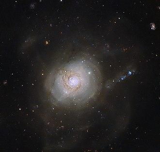 NGC 7252 - Image: Galactic politics