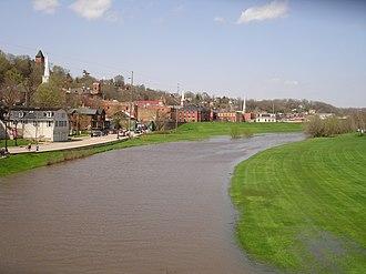 Galena River (Illinois) - Image: Galena Il Galena River 1