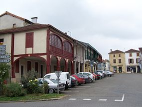 Geaune Place03.jpg