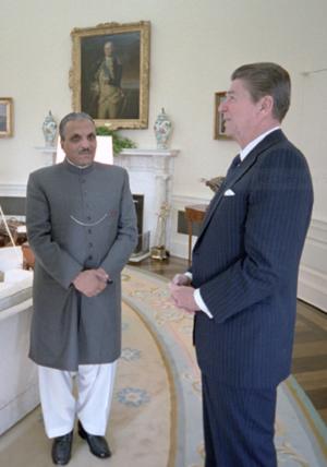 Muhammad Zia-ul-Haq's Islamization - President Ronald Reagan and President Muhammad Zia-ul-Haq, 1982.