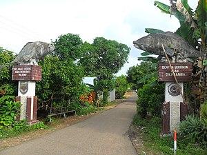 Banua Lawas - Image: Gerbang Selamat Datang di wilayah sentra budidaya ikan keramba Tabalong