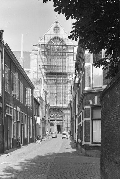 File:Gezicht op Pieterskerk - Leiden - 20136055 - RCE.jpg