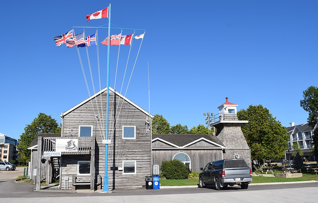 The Gimli Harbour Master's building and lighthouse, constructed in 1910, rebuilt 1974.