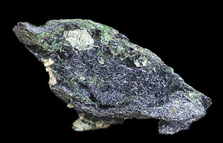 Glaucophane amphibole, double chain inosilicate mineral