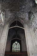 Gloucester Cathedral (Holy Trinity) (14994357340).jpg