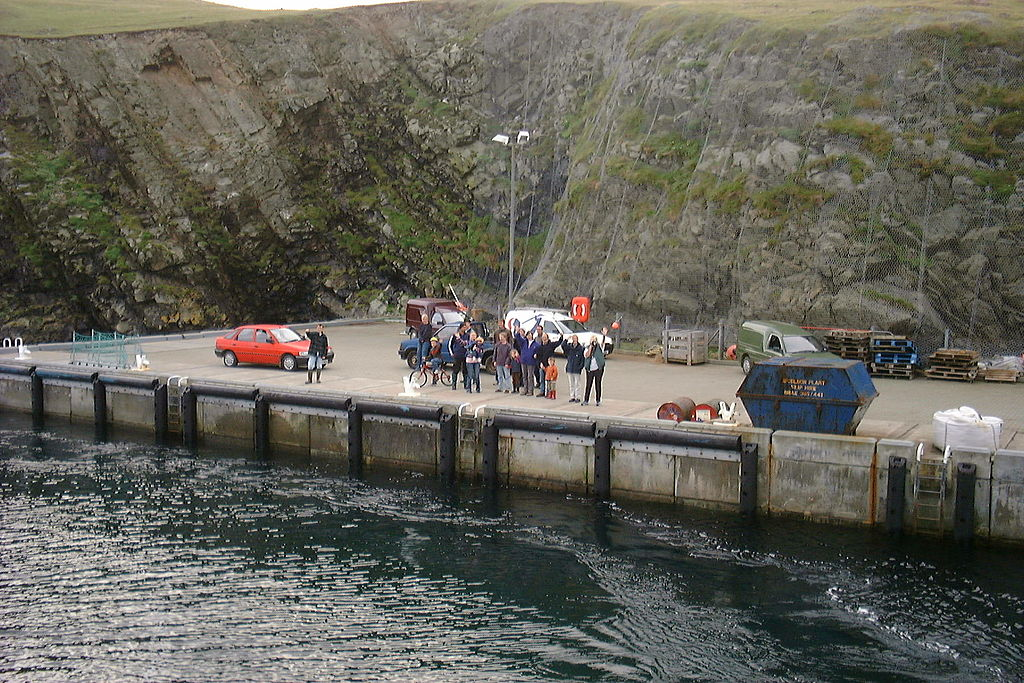 File:Good Shepherd IV and harbour at Fair Isle from ferry.jpg ...