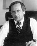 Gordon J. Humphrey (cropped).jpg
