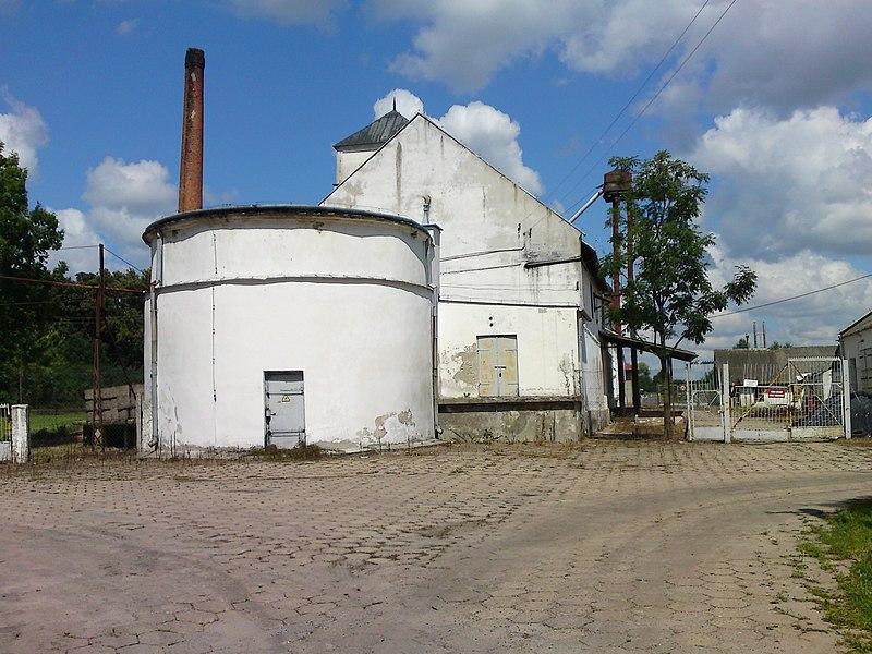 File:Gorzelnia Cieleśnica - panoramio.jpg