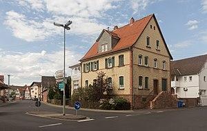 Gründau - Image: Gründau, straatzicht Bachgasse Hain Gründauer Strasse foto 2 2016 08 09 16.33