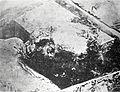 Grabado del cadáver de José Martí al inhumar sus restos en el Cementerio General de Santiago de Cuba, 1895.jpg